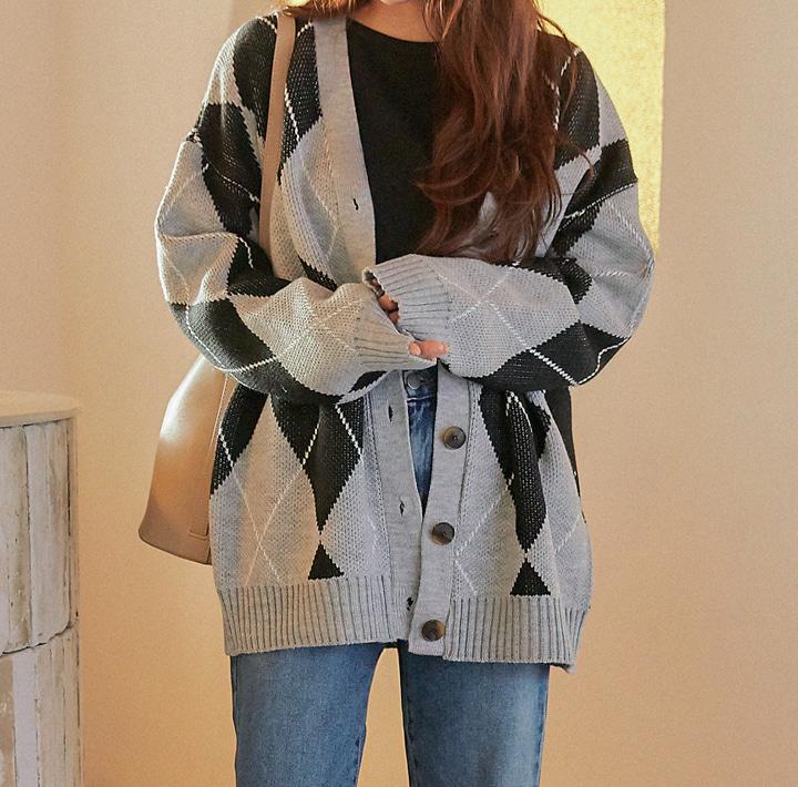 common-unique--에이든 아가일 박시 니트 가디건♡韓國女裝外套