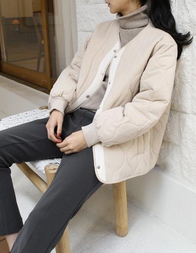 indibrand-웨이브 퀼팅 점퍼 (수입)♡韓國女裝外套