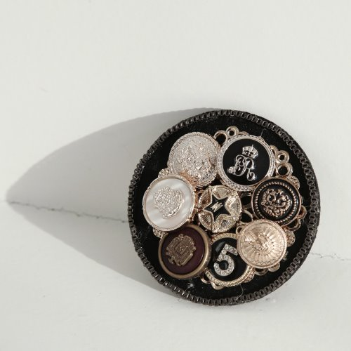 opencage-No.5 button broach♡韓國女裝飾品