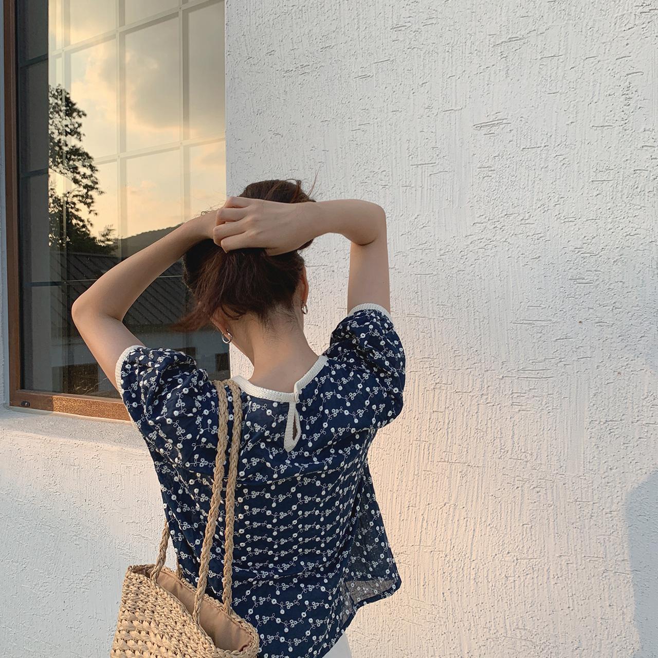cherrykoko-[데어 자수 블라우스]♡韓國女裝上衣