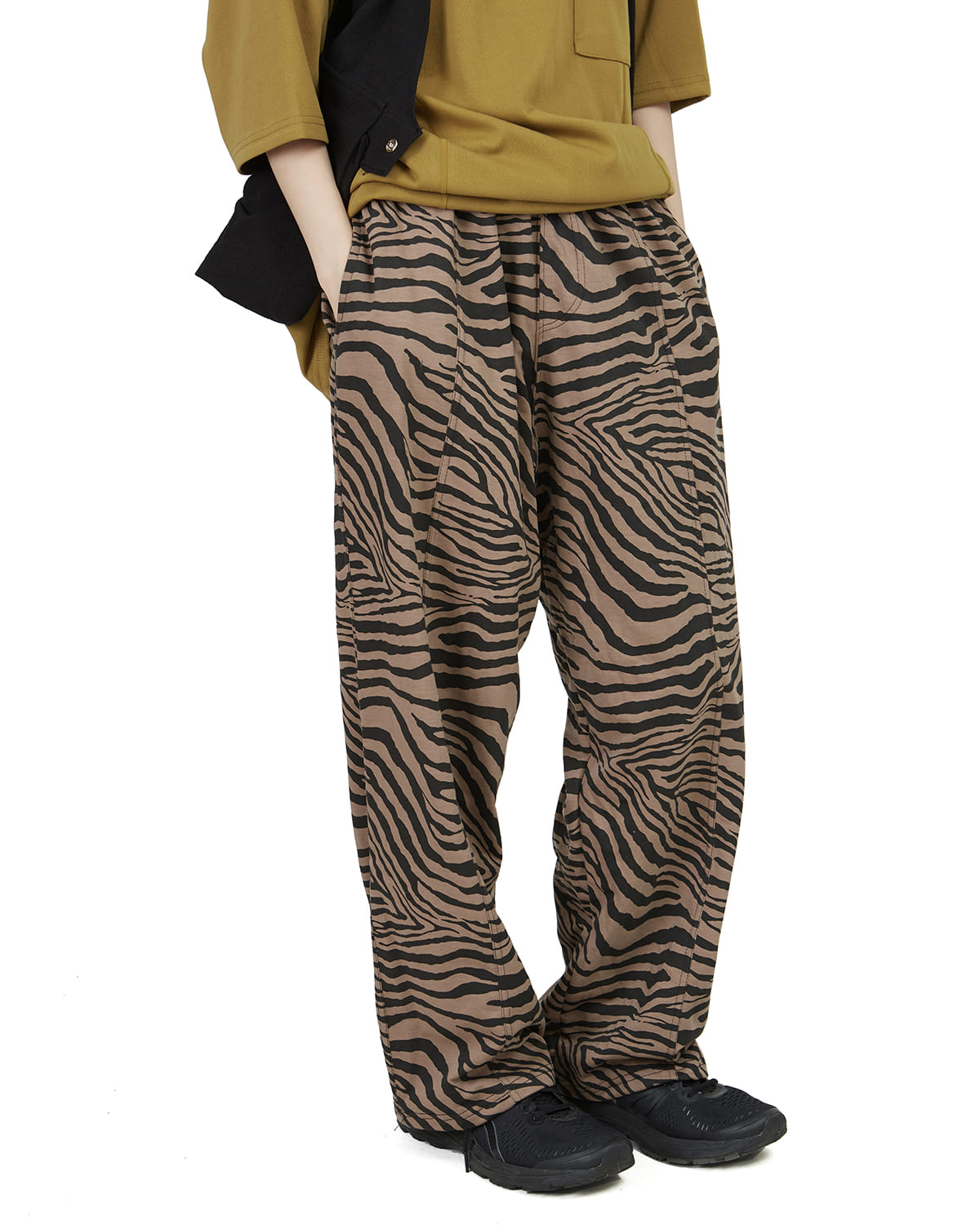 raucohouse-ZEBRA INCISION COTTON PANTS - RAUCO HOUSE♡韓國男裝褲子