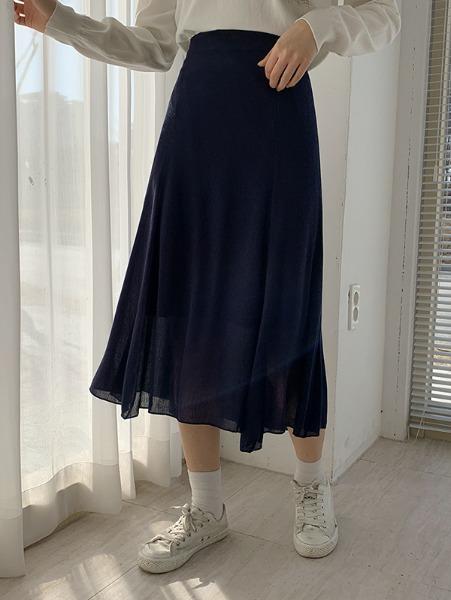 輕巧舒適中長裙