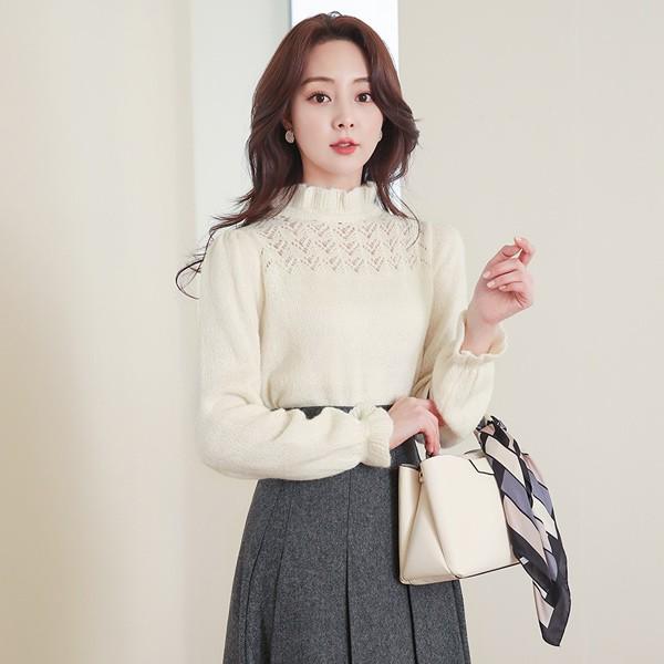 ode-[스카시 펀칭 프릴넥 부클 울 니트]♡韓國女裝上衣