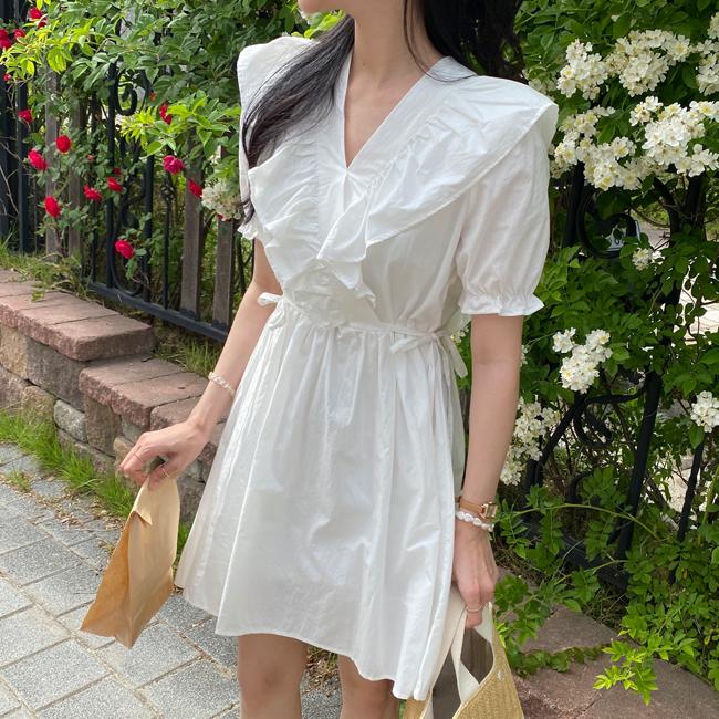 純白荷葉領連身裙