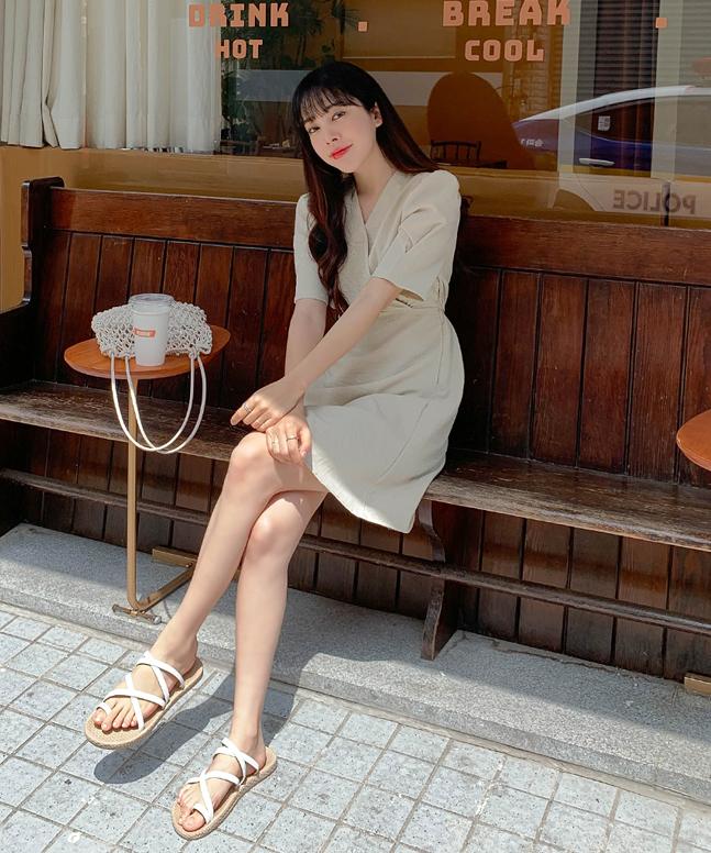 日常淨色連身裙