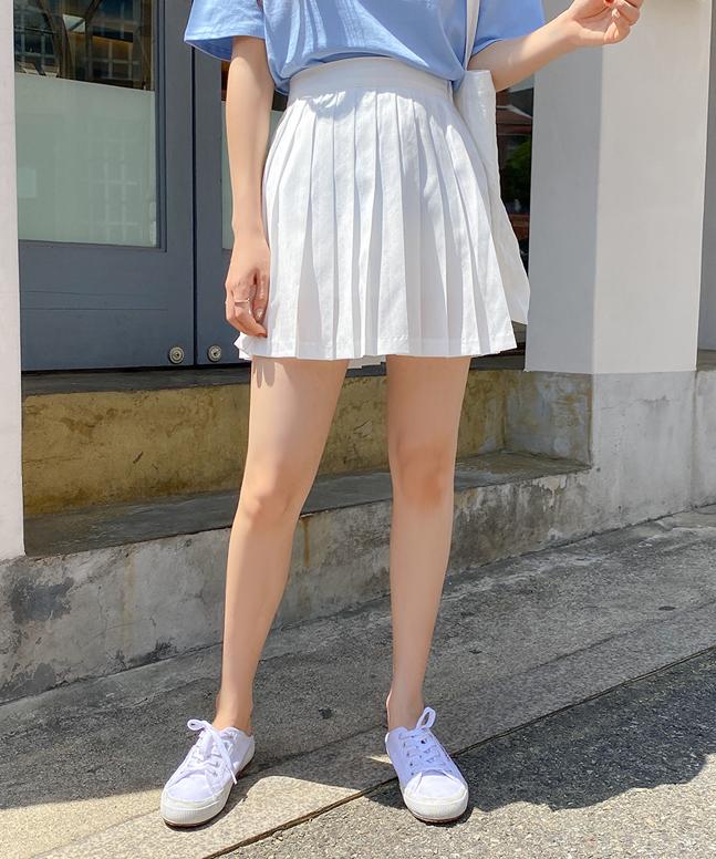 百搭百褶短裙