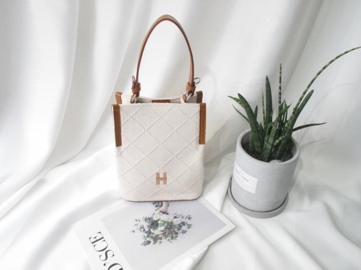 Gar Den-- 女士氣質簡潔手提包&