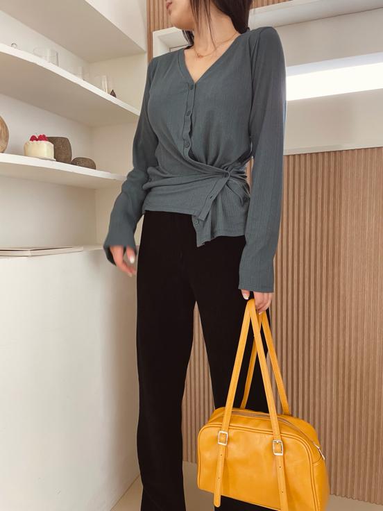 AUGUST-- 女士時尚休閑長袖T卹衫不含其它&
